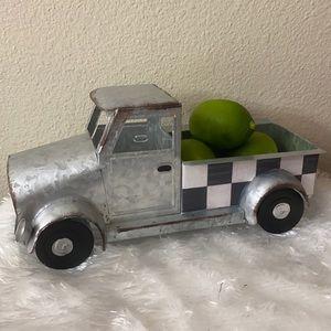 Galvanized truck with lemons